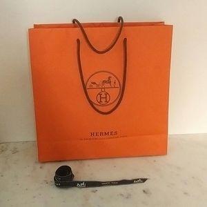 HERMES - medium shopping bag and ribbon